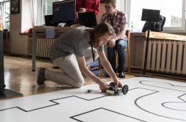 """""""AI Hero"""" konkurso atgarsiai: vertingos dovanos bus naudojamos informatikos pamokose"""